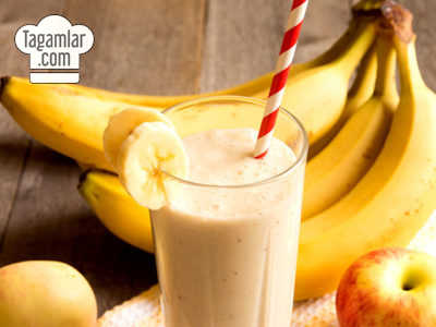 Bananly we almaly smuzi (smoothie)