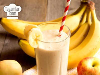 Bananly we almaly smuzi (smoothie)