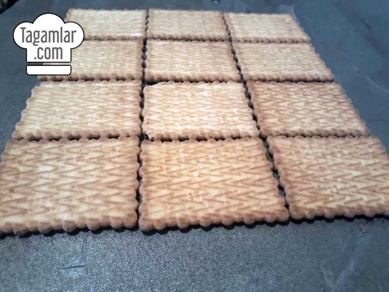 Banan we kökeden piramida keks surat 2