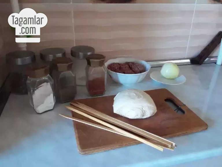 Howur peçde bişirilýän lüle-kebab surat 1